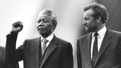 Mr Mandela with Gareth Evans